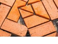 Klinkerio trinkelių pranašumai prieš betono trinkeles